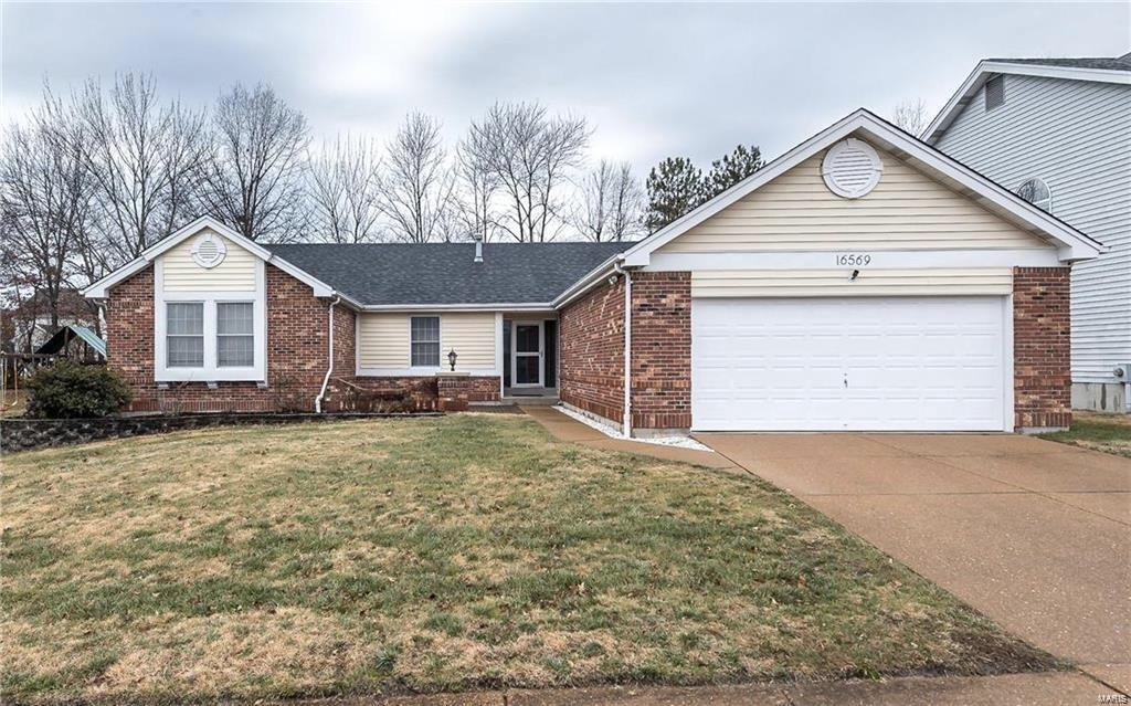 16569 Centerpointe Drive Property Photo - Grover, MO real estate listing