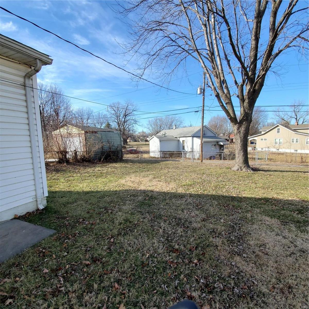 1855 Edwardsville Property Photo - Madison, IL real estate listing