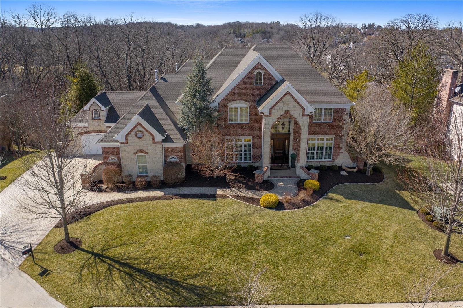 16836 Eagle Bluff Court Property Photo - Chesterfield, MO real estate listing