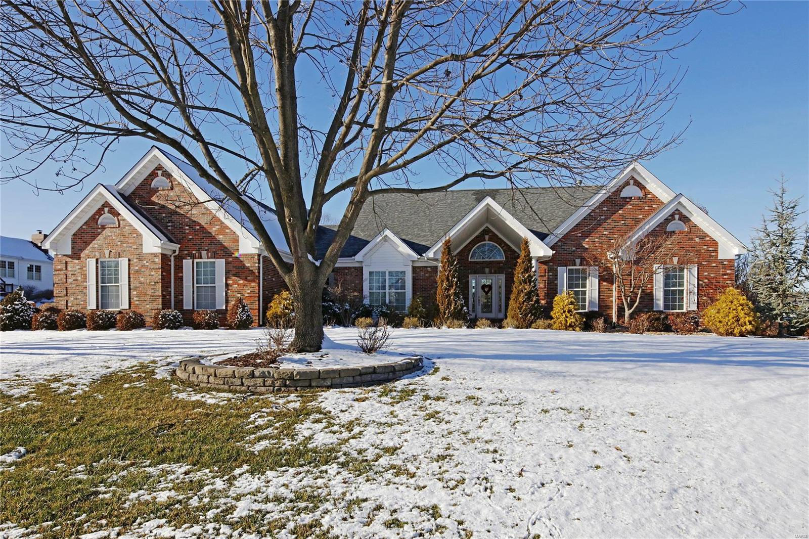 242 Cornwall Drive Property Photo - Weldon Spring, MO real estate listing