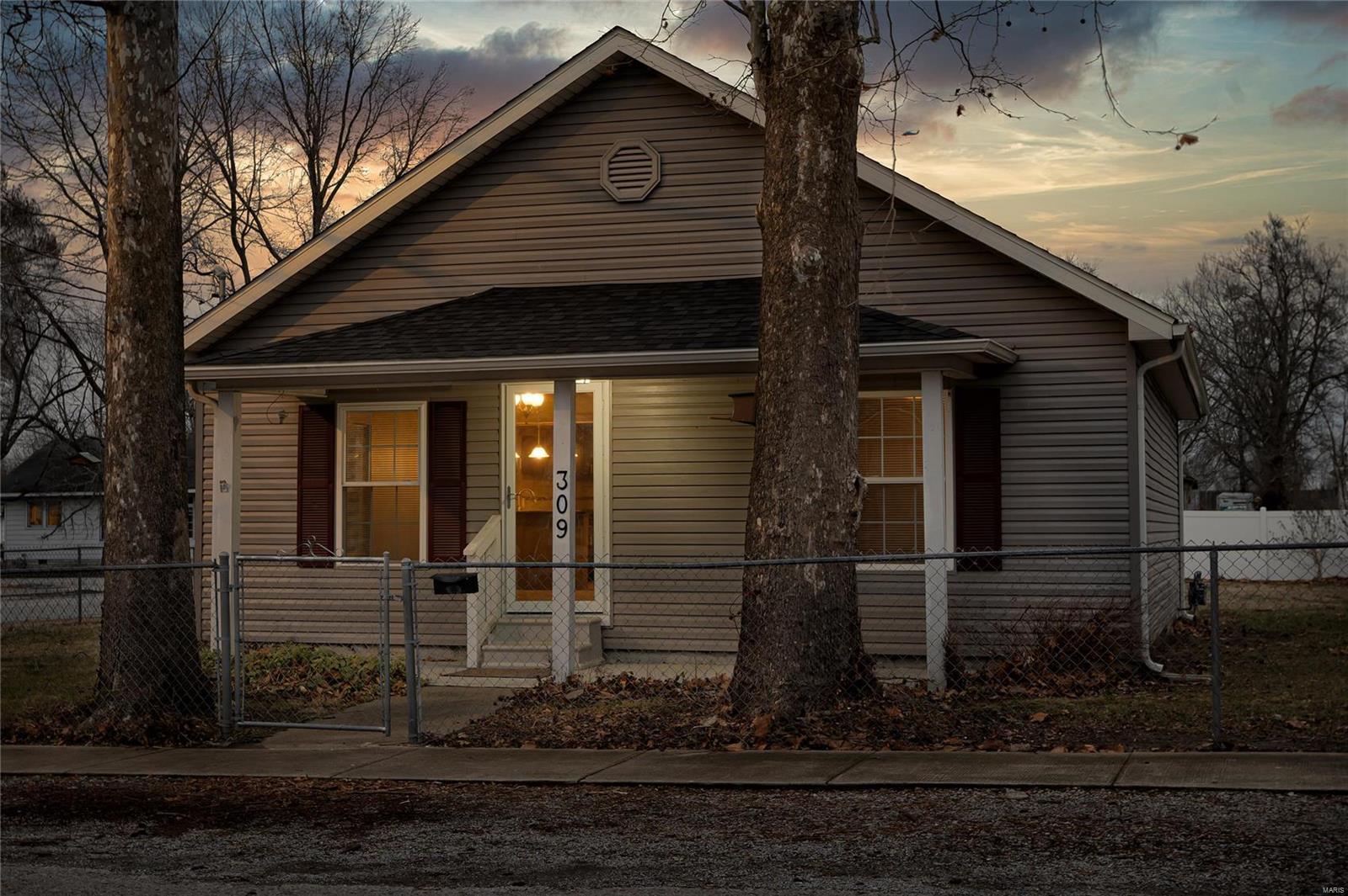 309 W Fifth Street Property Photo