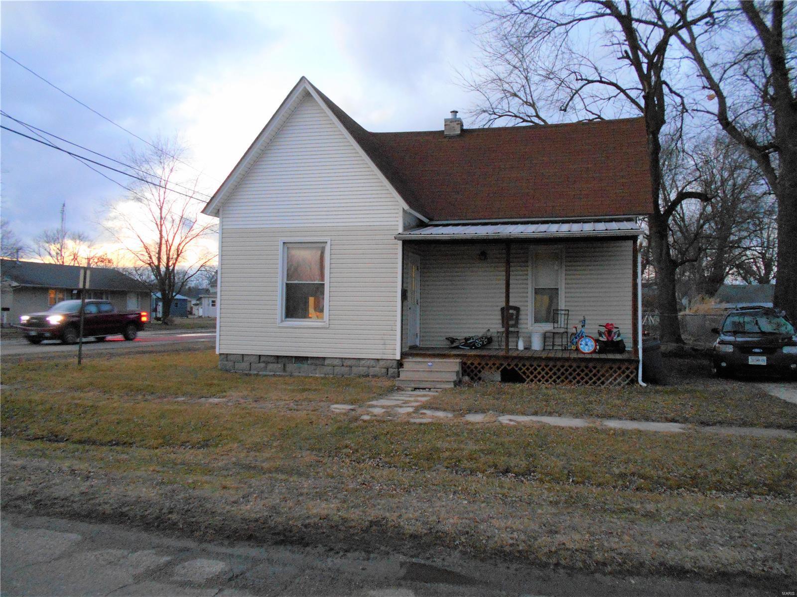 115 W Walsh Property Photo - Vandalia, MO real estate listing