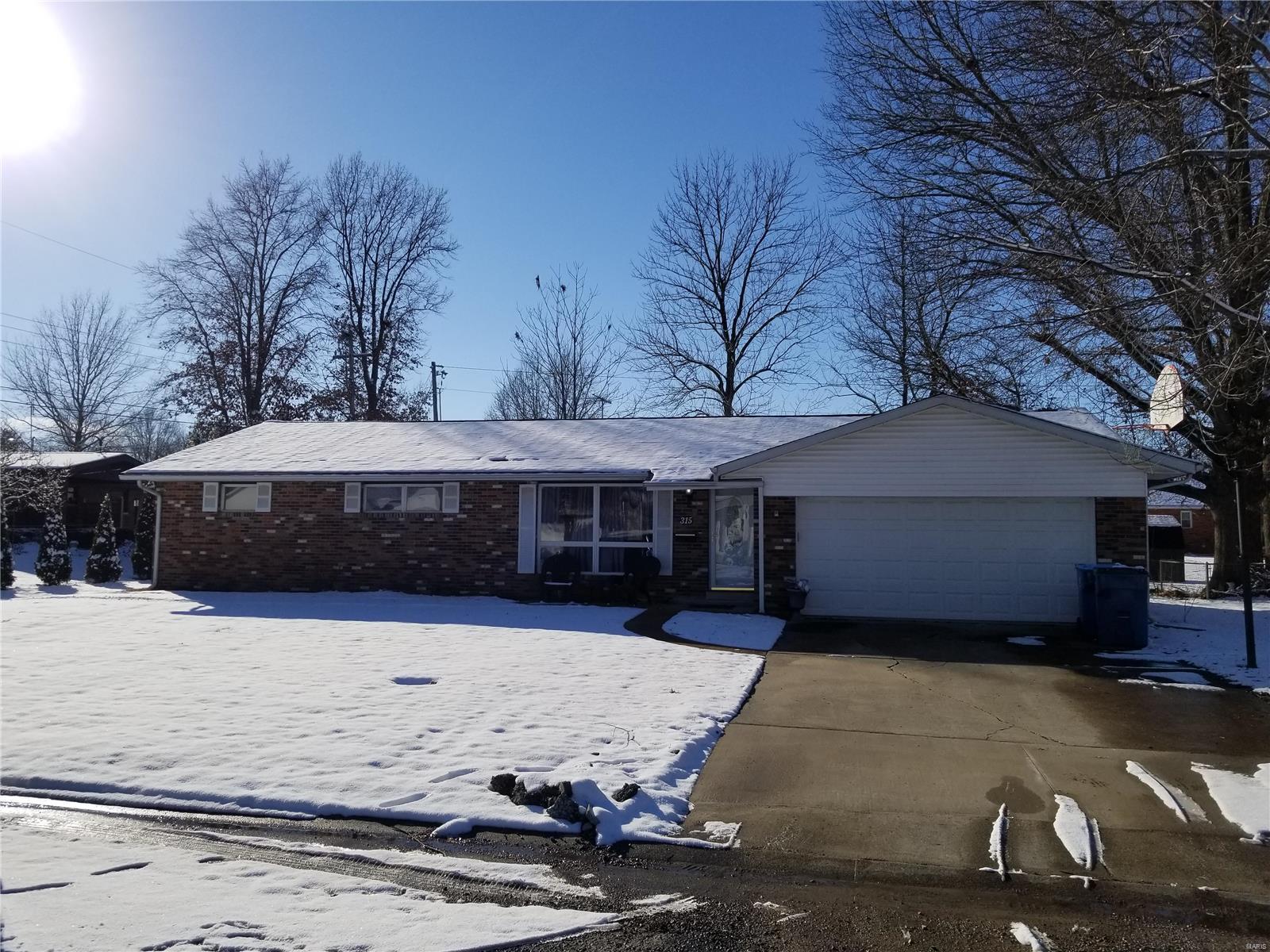315 N Van Buren Property Photo - Trenton, IL real estate listing