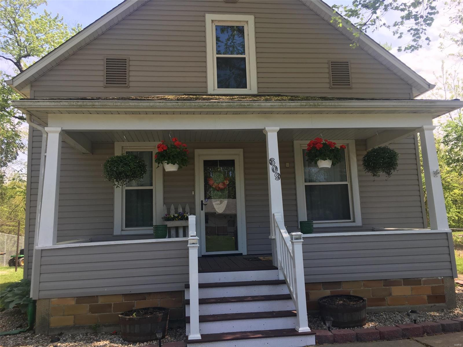 609 Academy Street Property Photo - Pocahontas, IL real estate listing