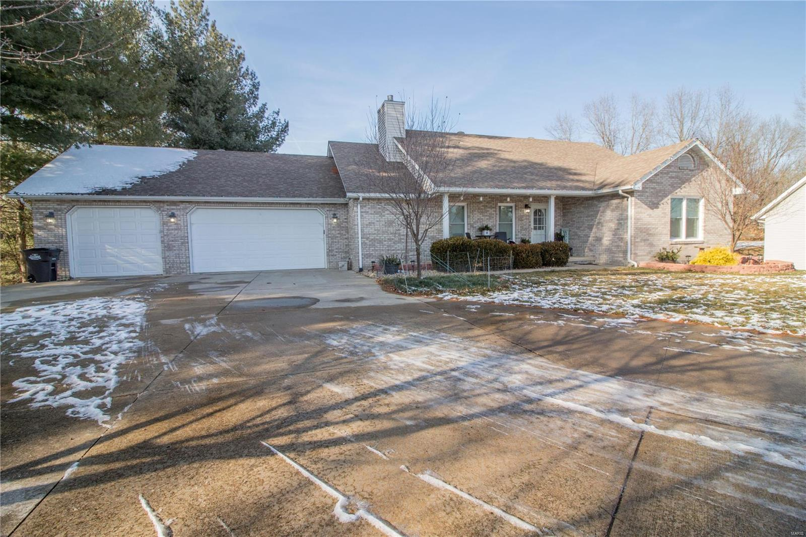7509 Pinnacle Drive Property Photo - Worden, IL real estate listing