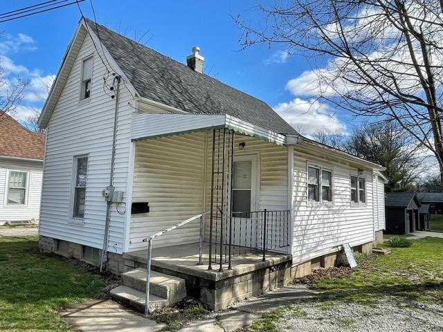1231 Vandalia Road Property Photo - Hillsboro, IL real estate listing