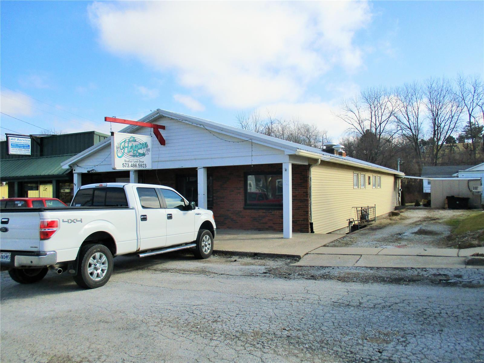 911 S Market Street Property Photo - Hermann, MO real estate listing