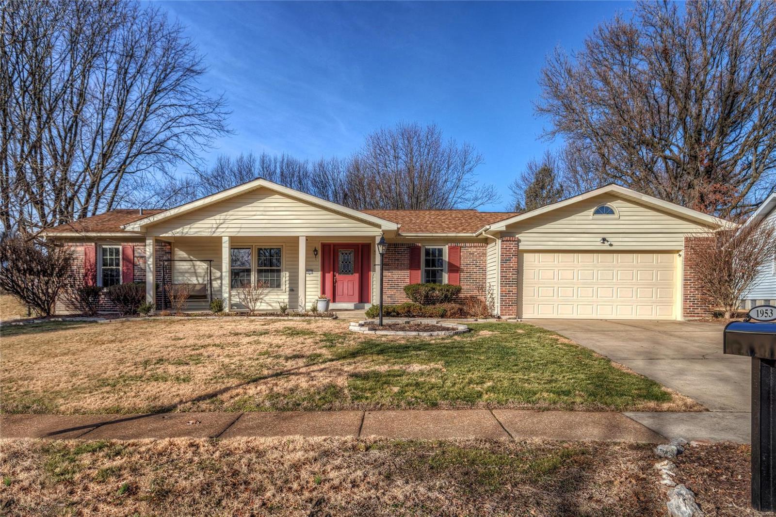 1953 Lakehurst Drive Property Photo - St Louis, MO real estate listing