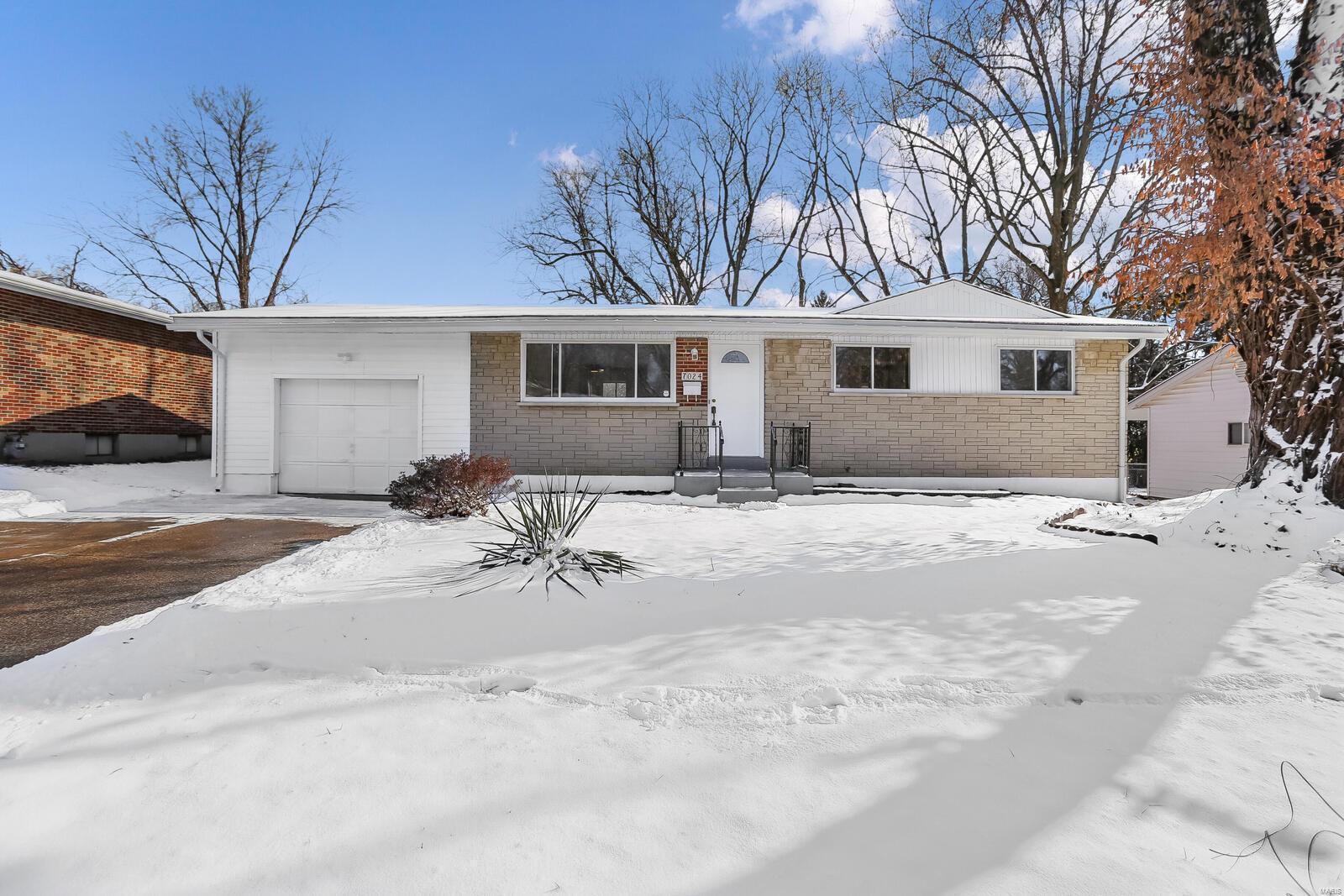 7024 Marlac Drive Property Photo - Hazelwood, MO real estate listing