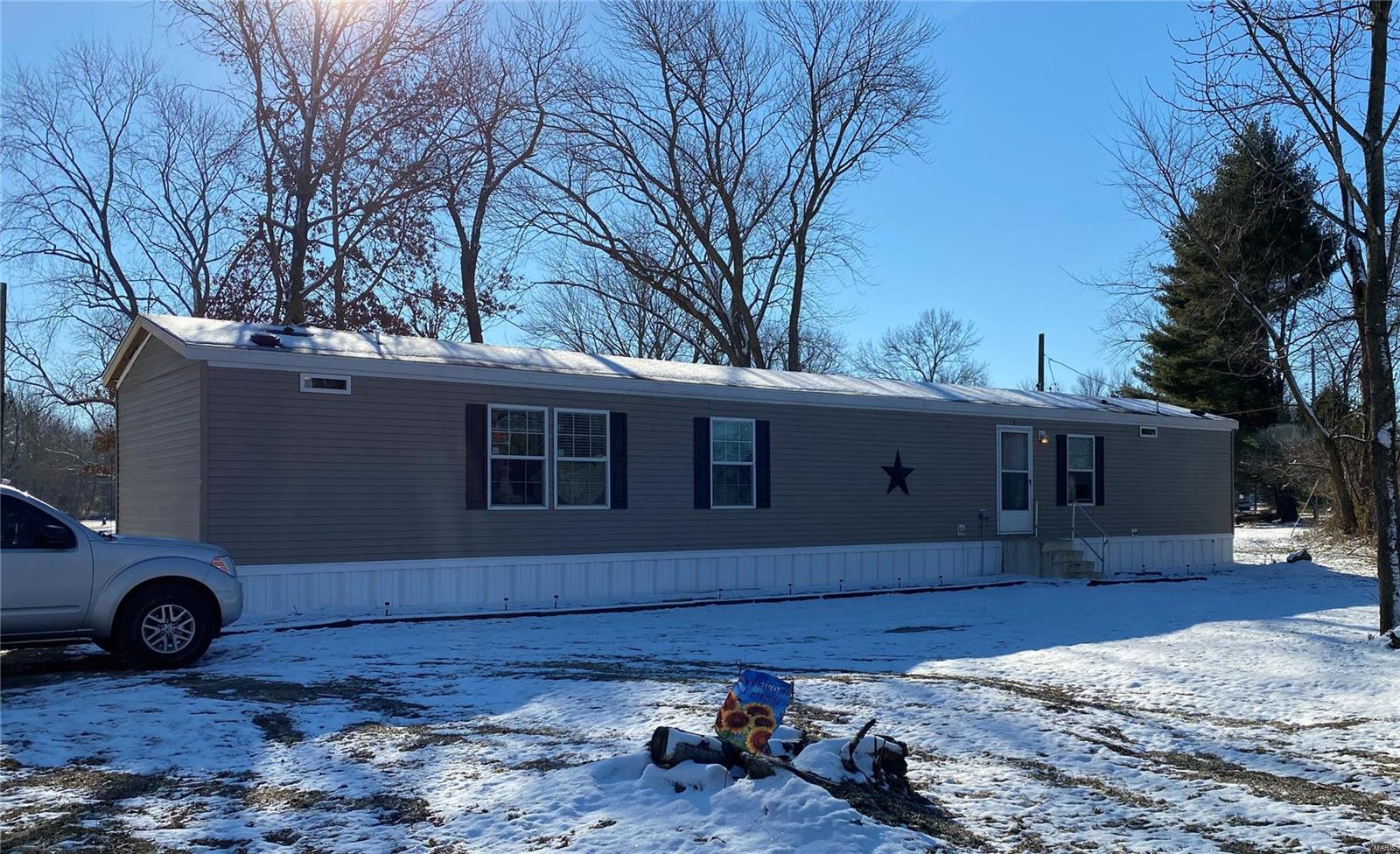 107 E Nettie Property Photo - Sesser, IL real estate listing