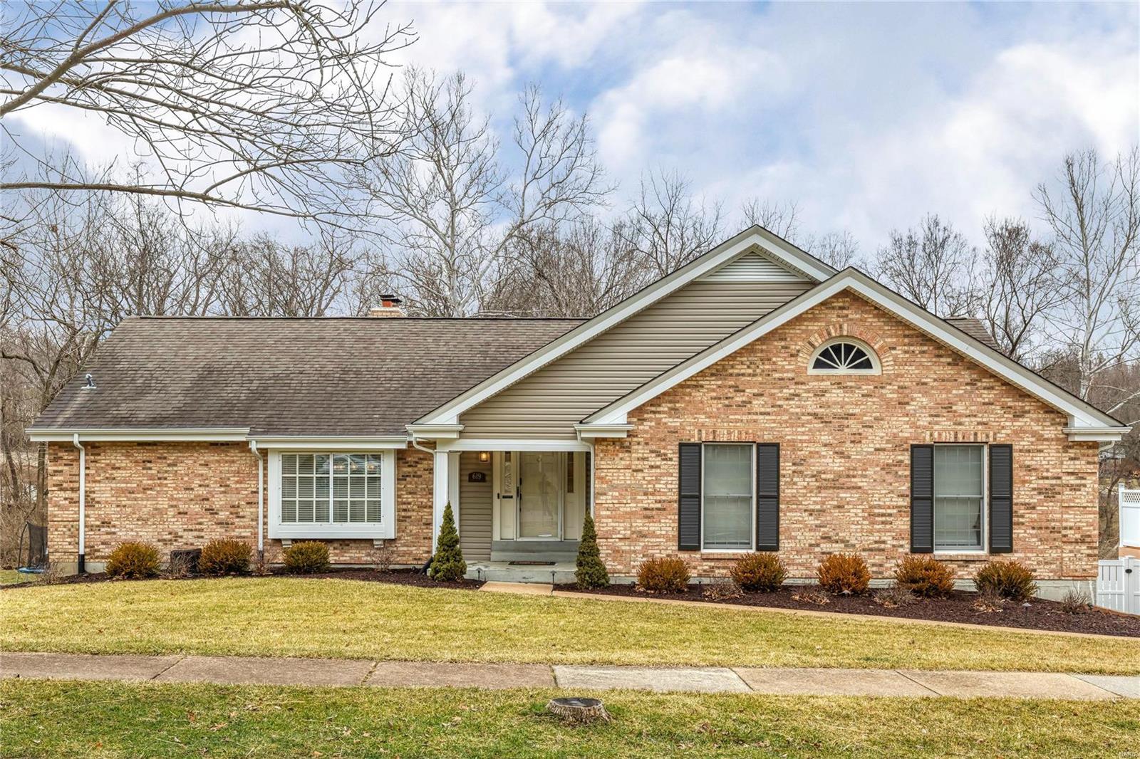 619 Valley Point Lane Property Photo - Ballwin, MO real estate listing