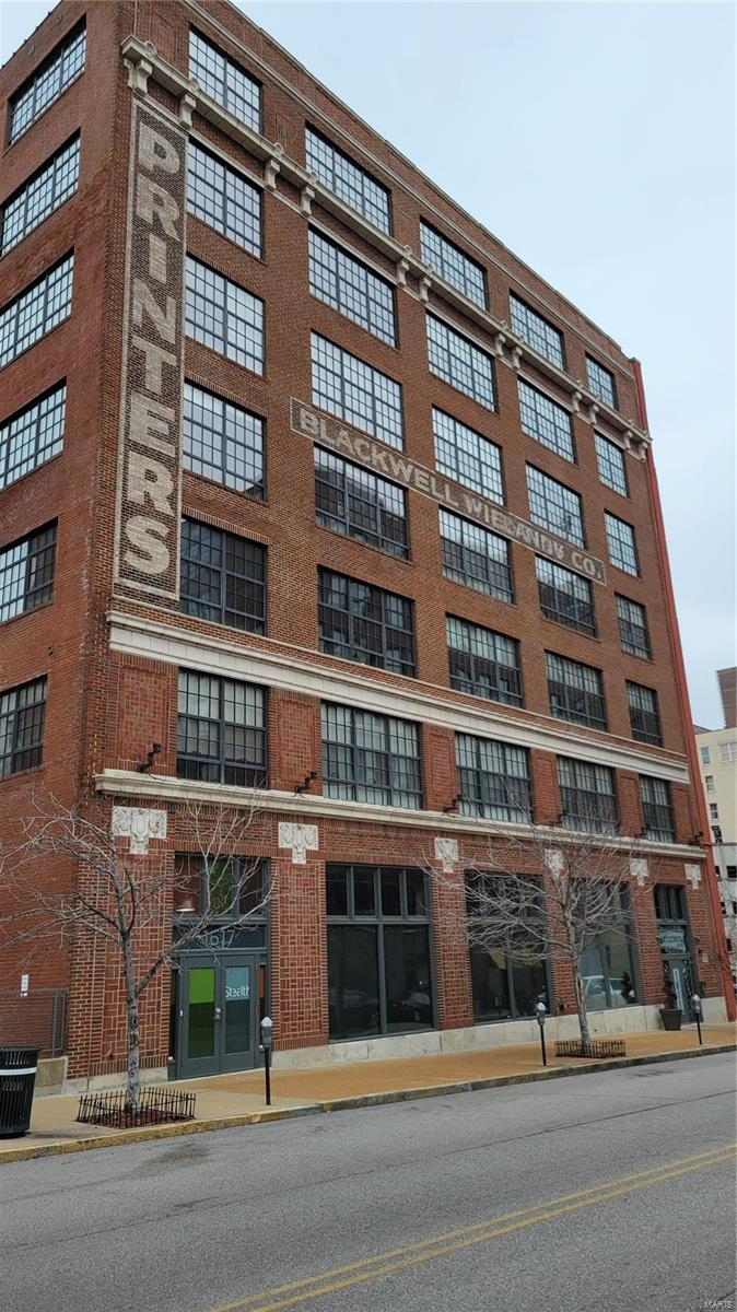 1611 Locust Street #203 Property Photo - St Louis, MO real estate listing