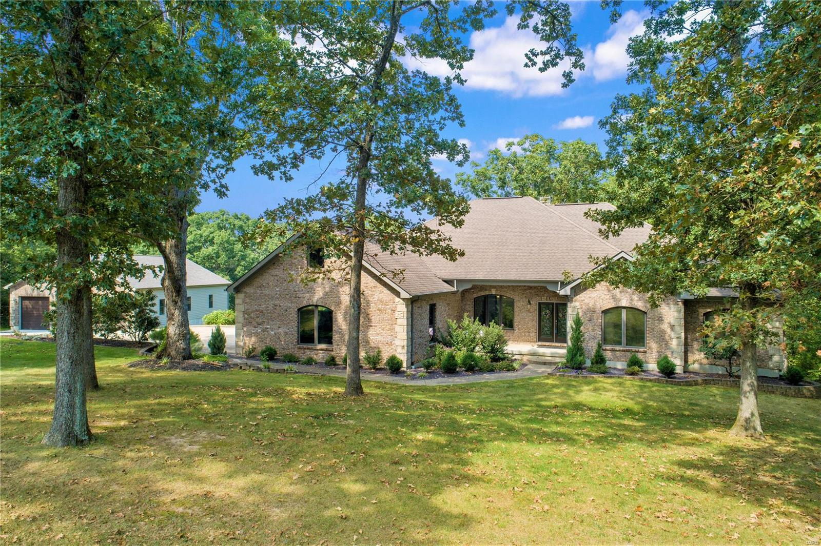 1053 Maple Ridge Road Property Photo