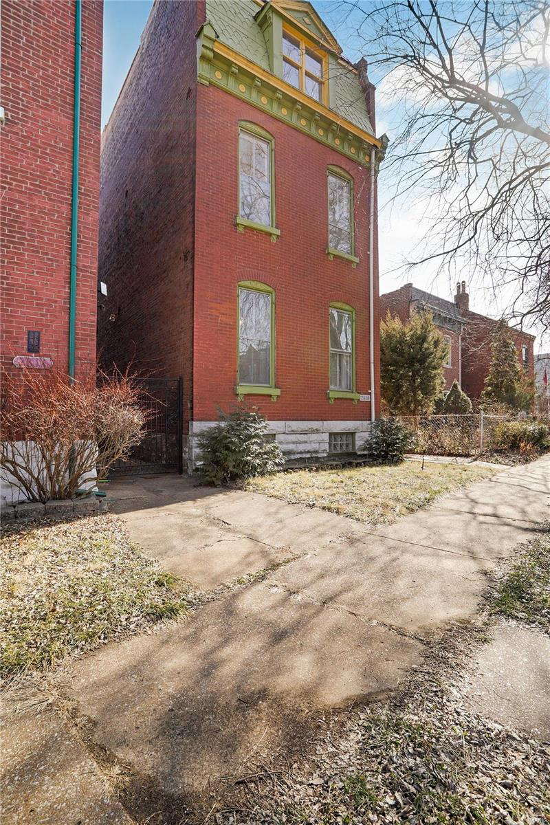 2818 Salena Street Property Photo