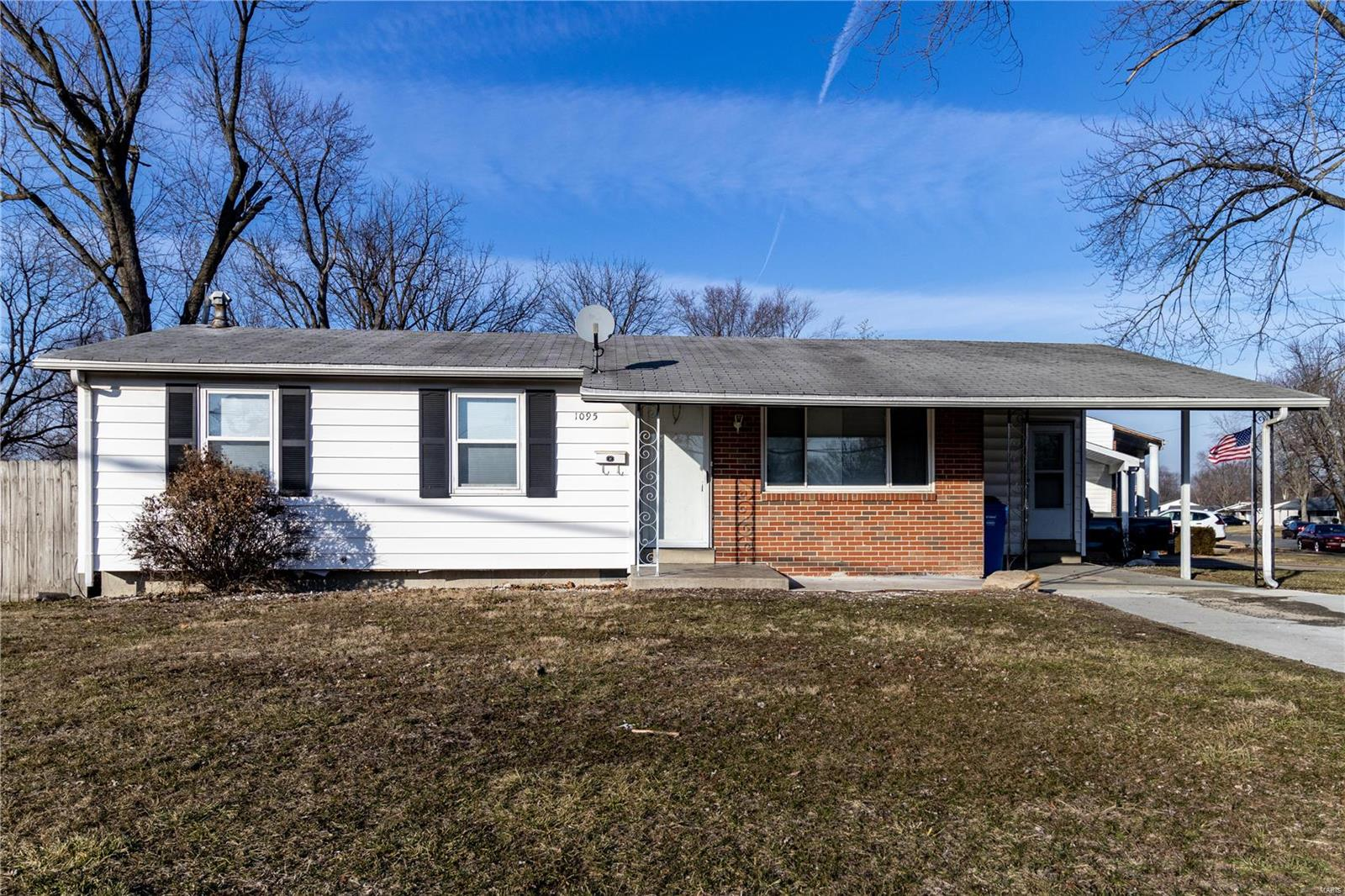 1095 Humes Property Photo