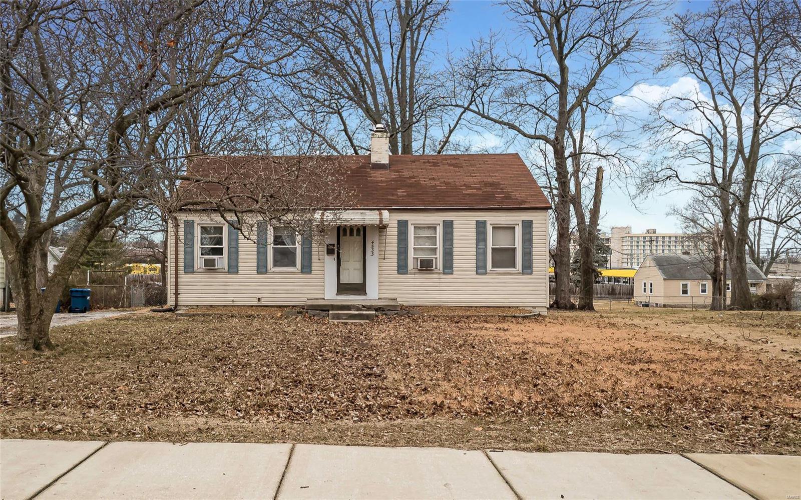 4533 Holman Property Photo