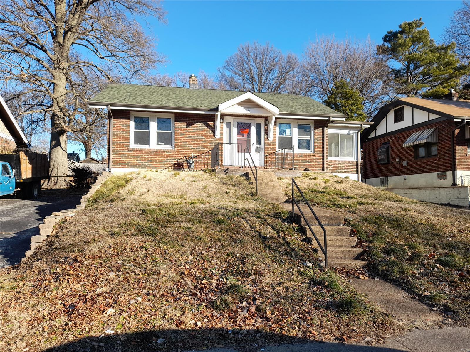 8837 Argyle Avenue Property Photo