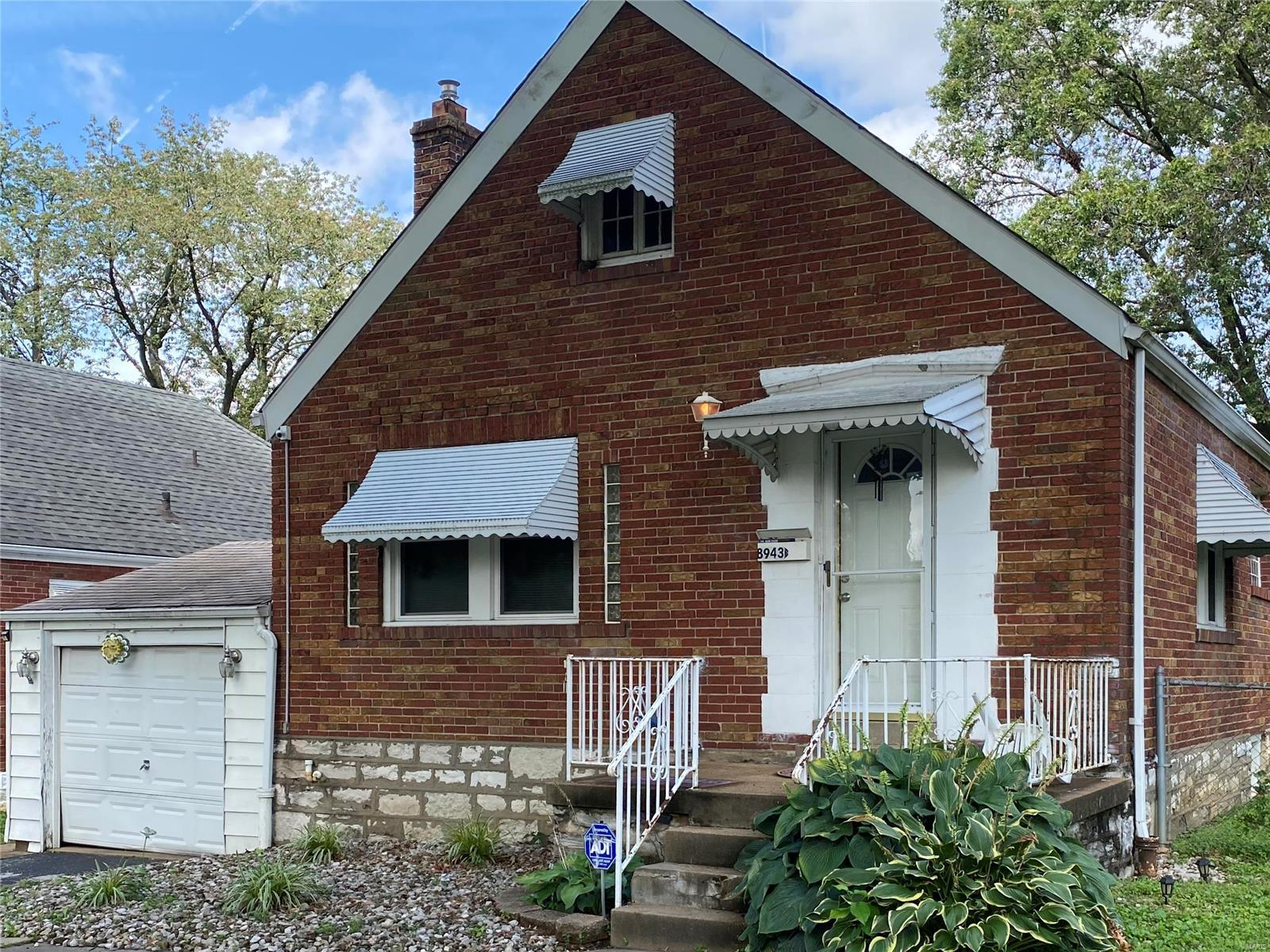 8943 Mayfield CT Property Photo - Jennings, MO real estate listing