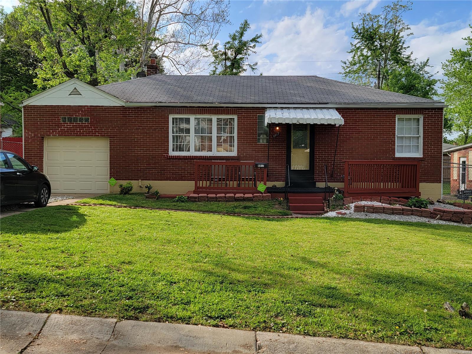 8817 Greenbrook Property Photo