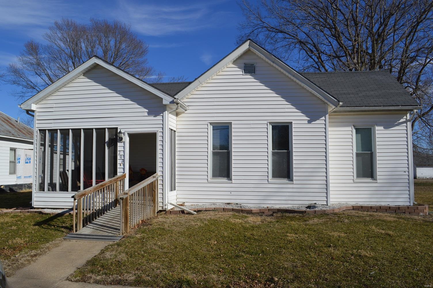 206 S 5th Property Photo - Canton, MO real estate listing