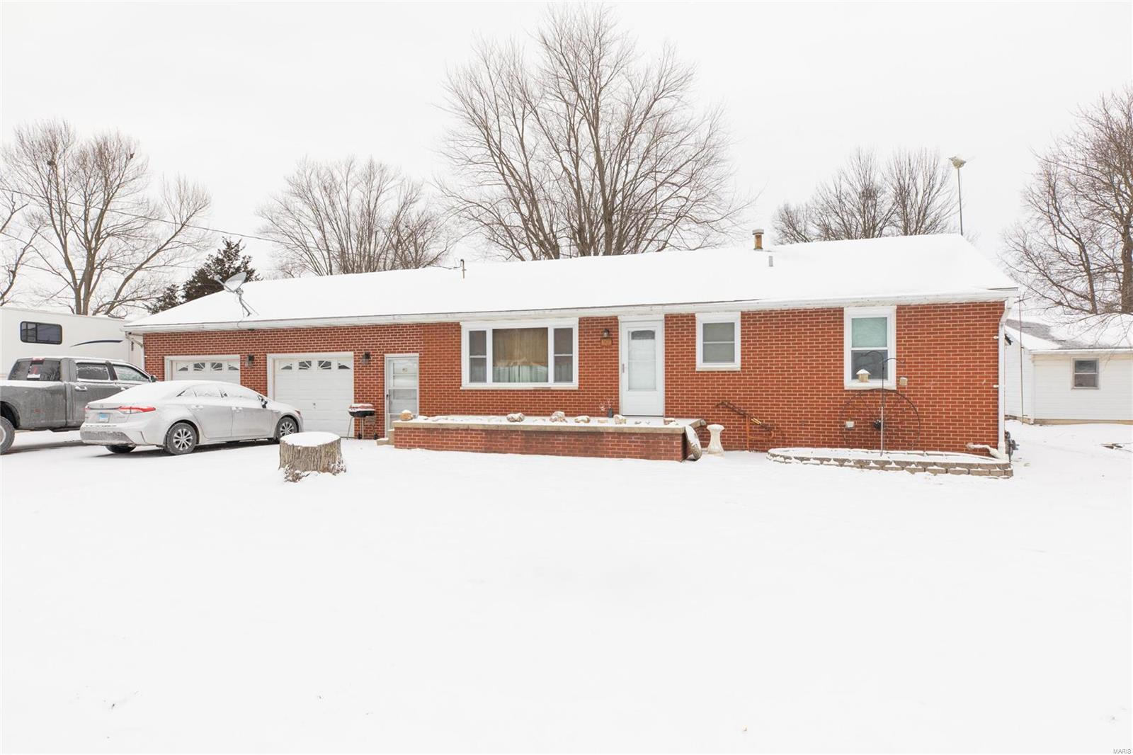 109 Walnut Street Property Photo - Brighton, IL real estate listing