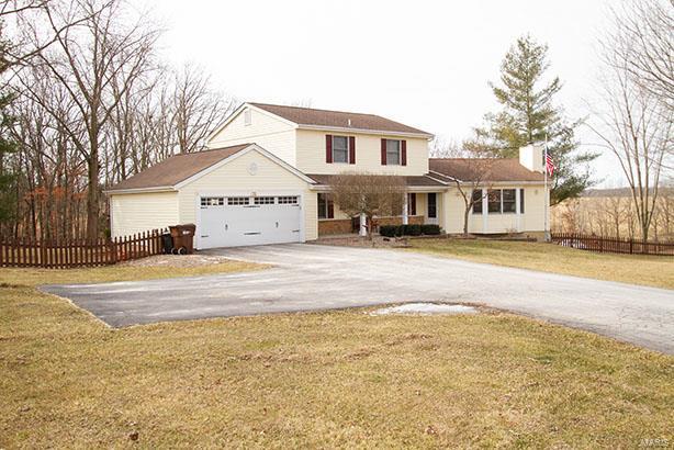 72 Sunset Lane Property Photo - Winfield, MO real estate listing