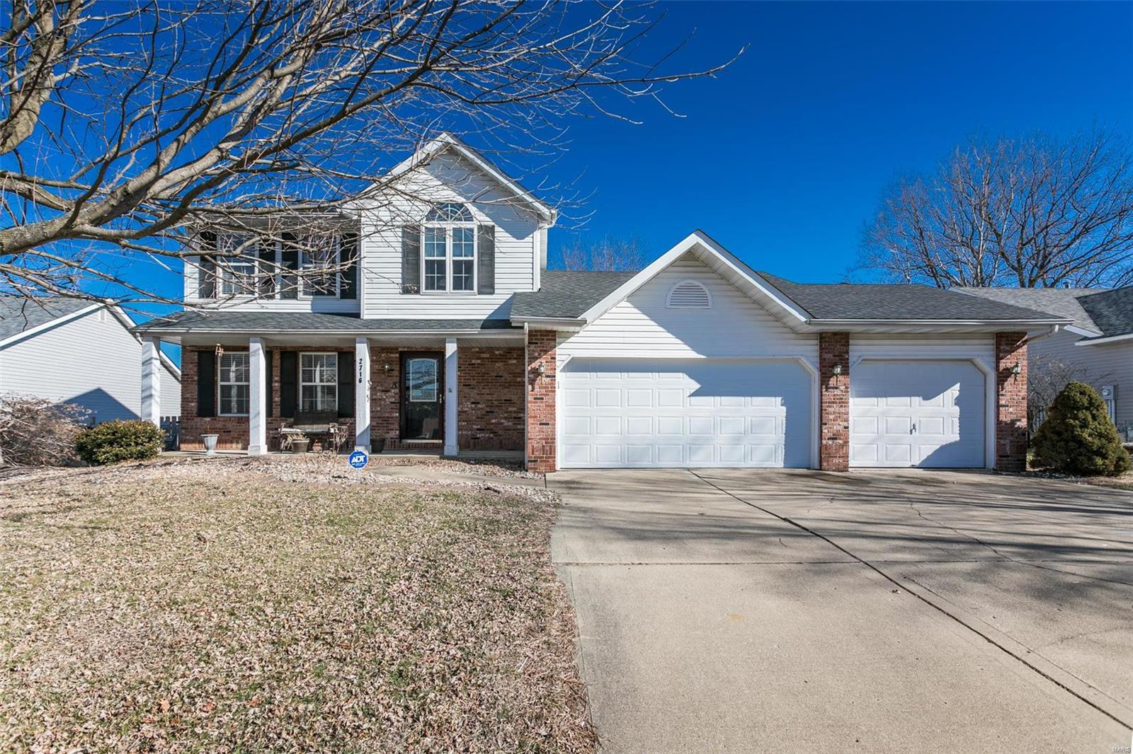 2716 Stone Valley Drive Property Photo - Maryville, IL real estate listing