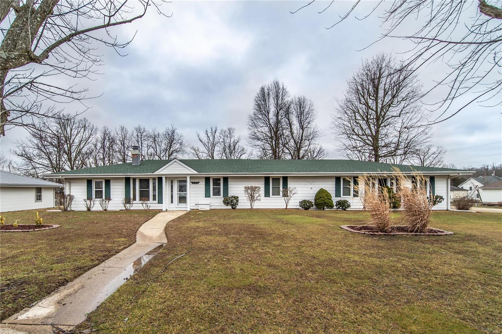 320 W Clay Street Property Photo - Gerald, MO real estate listing