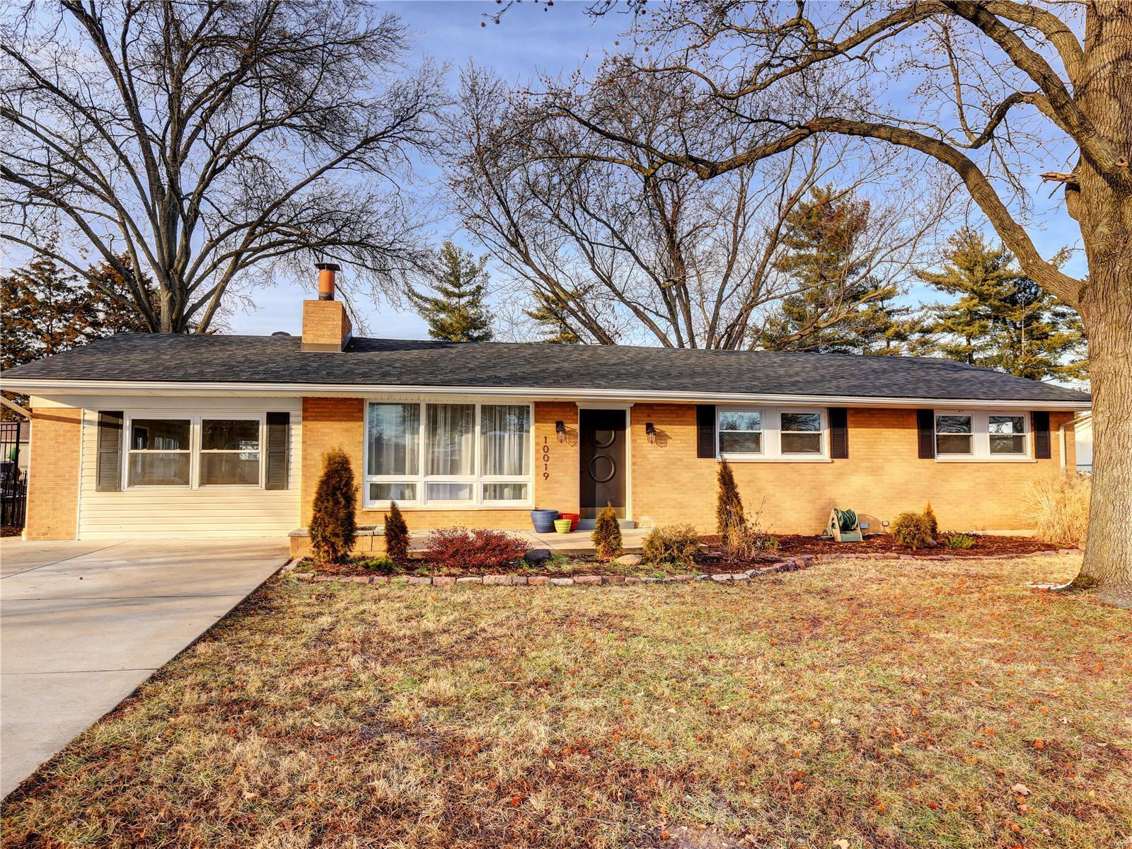 10019 Crestwood Dr Property Photo - St Louis, MO real estate listing