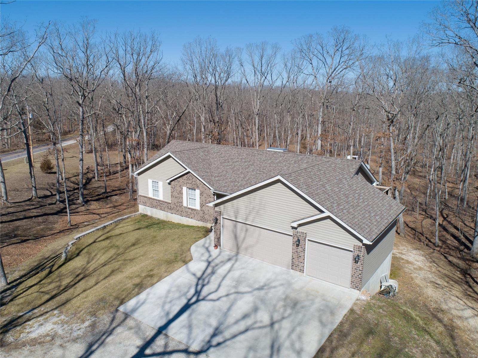 24535 Savannah Place Property Photo - Warrenton, MO real estate listing