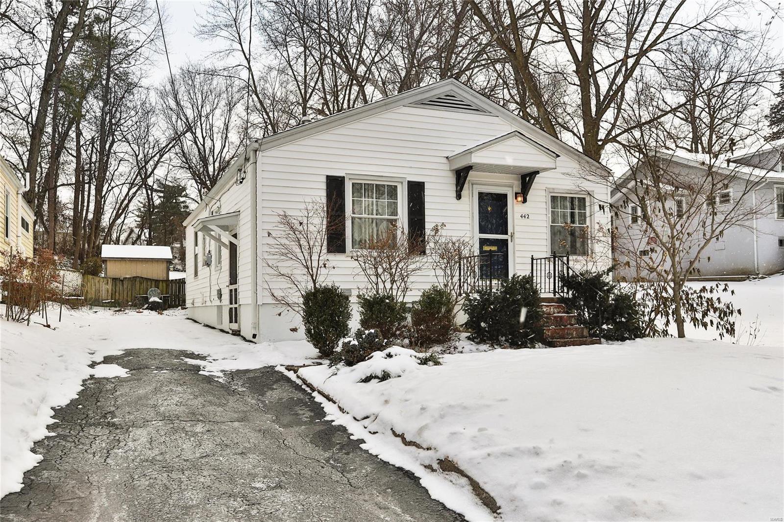 442 Oak Street Property Photo - Webster Groves, MO real estate listing
