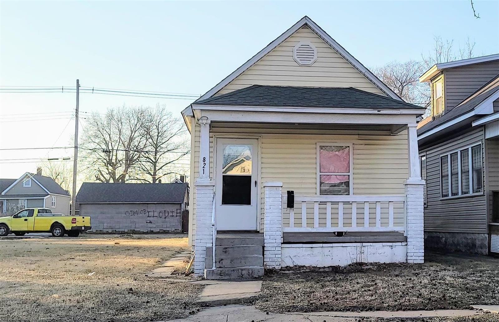 821 Washington Avenue Property Photo - Madison, IL real estate listing