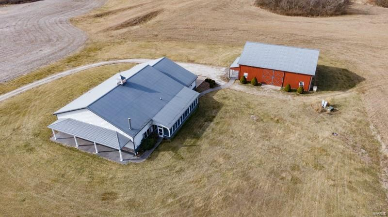 1 N Mississippi River Rd Property Photo - Batchtown, IL real estate listing