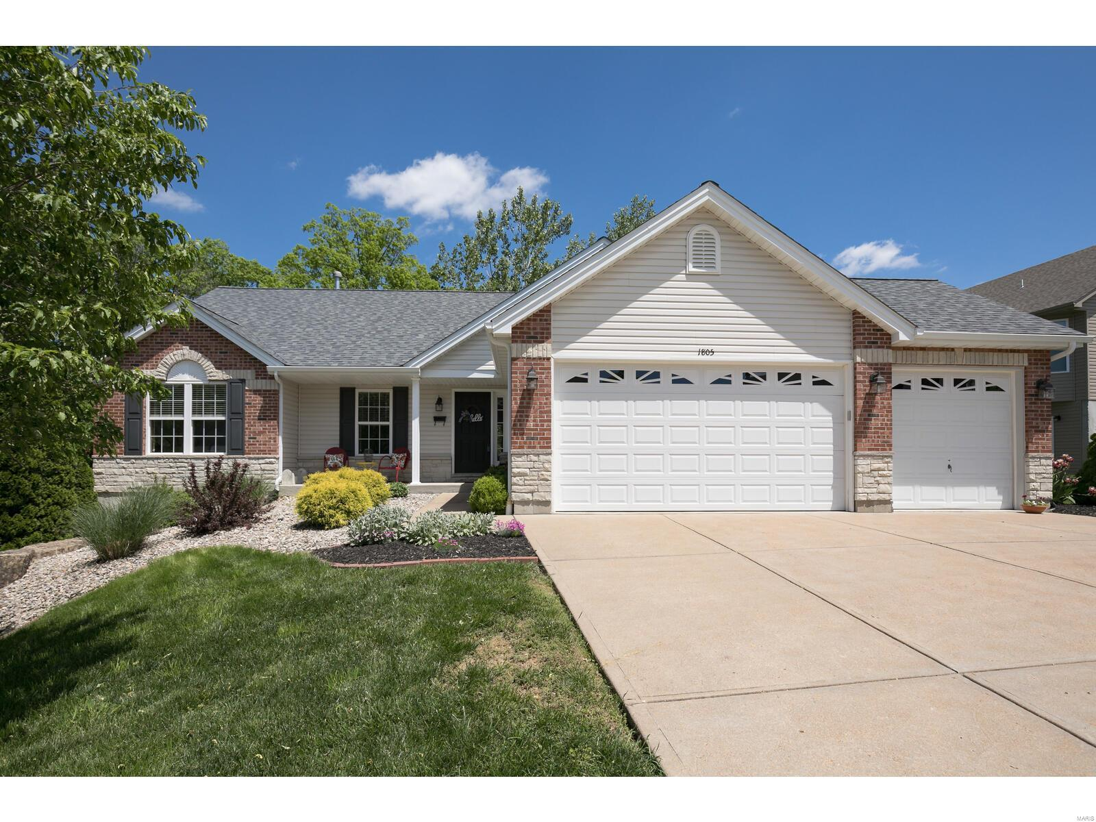 1805 Eagle Crest Property Photo