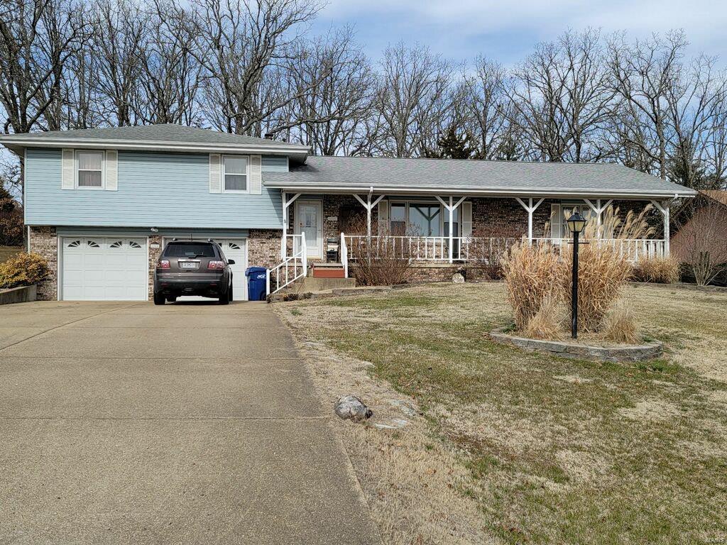1005 Cedar Ridge Road Property Photo - Houston, MO real estate listing