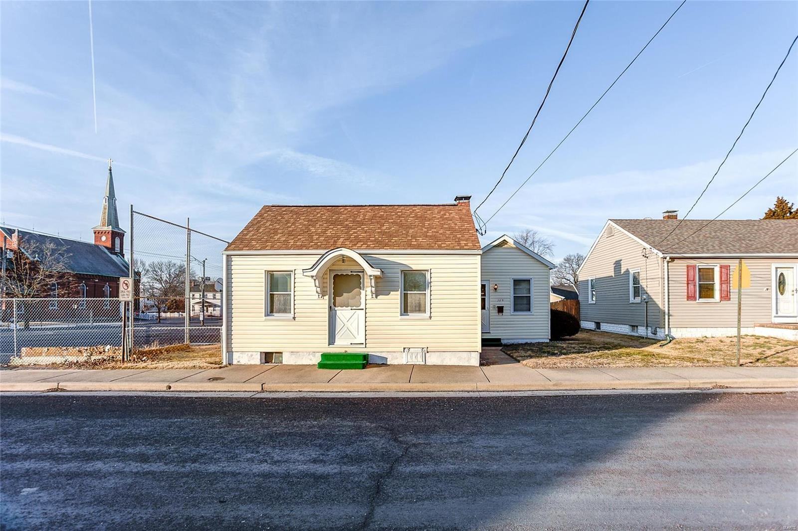 309 W Madison Street Property Photo - Millstadt, IL real estate listing