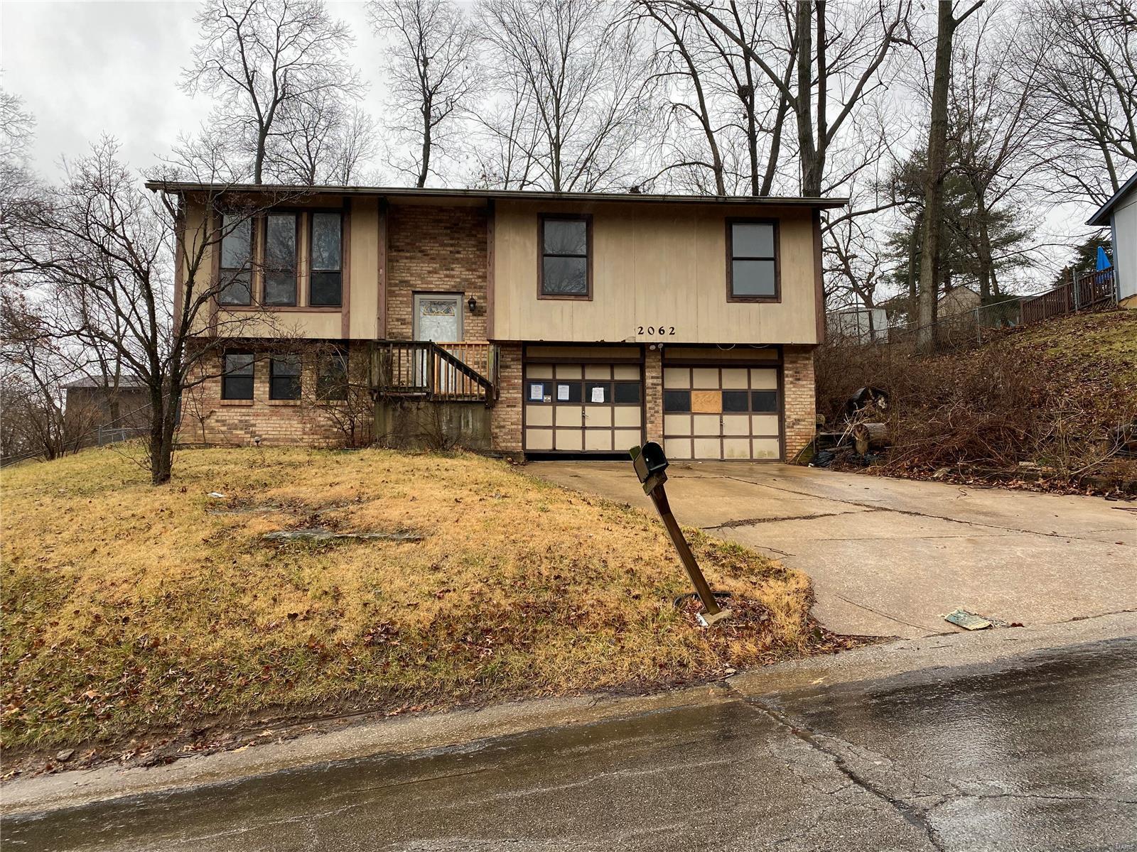 2062 Del Rio Drive Property Photo - Arnold, MO real estate listing