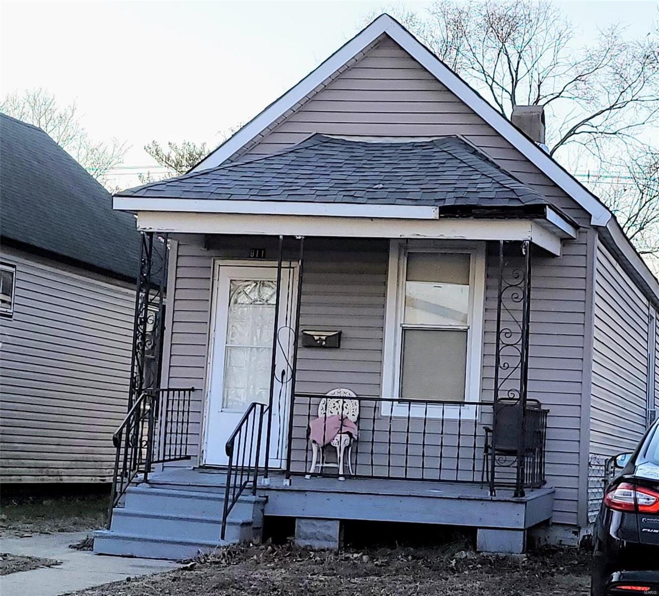 811 Washington Avenue Property Photo - Madison, IL real estate listing