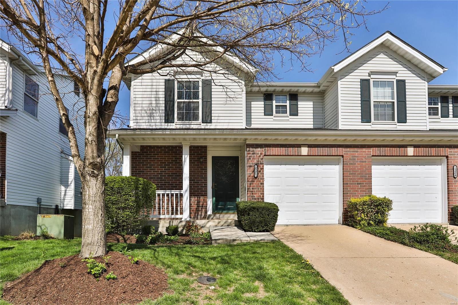 1324 Big Bend Crossing Drive Property Photo - Manchester, MO real estate listing