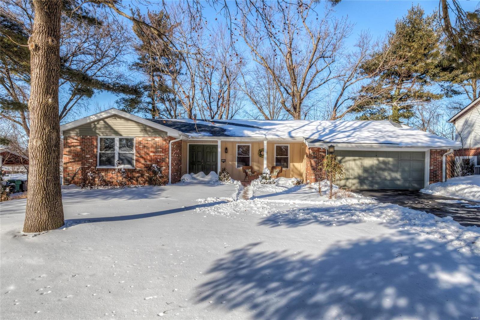 12165 Lake Placid Drive Property Photo - St Louis, MO real estate listing