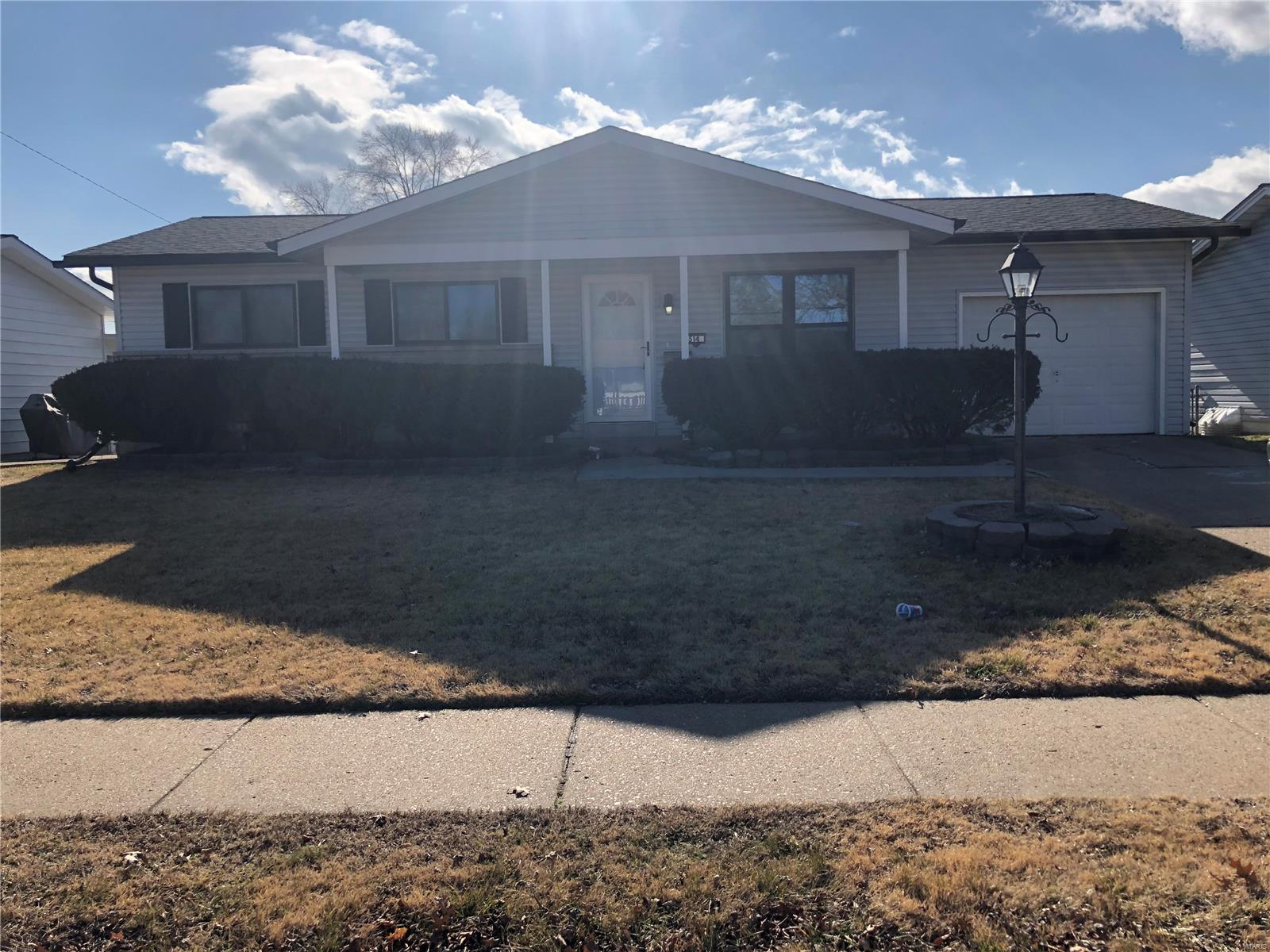 514 Haventree Drive Property Photo - Hazelwood, MO real estate listing