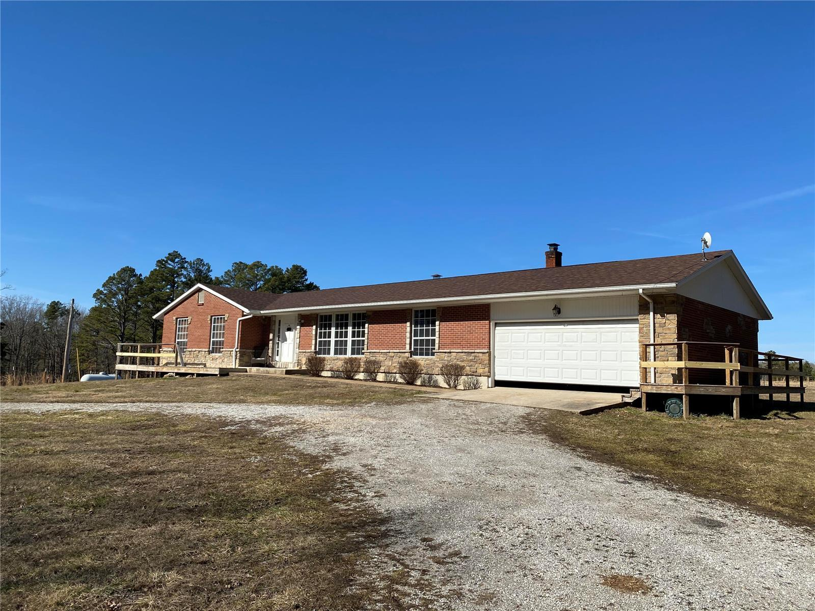 17001 Harper Drive Property Photo - Houston, MO real estate listing