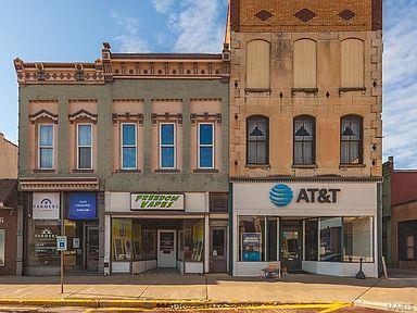 502 W Side Property Photo - Carlinville, IL real estate listing