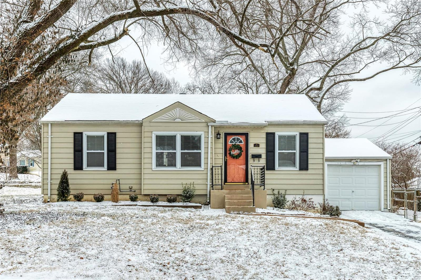 740 Crompton Court Property Photo - St Louis, MO real estate listing