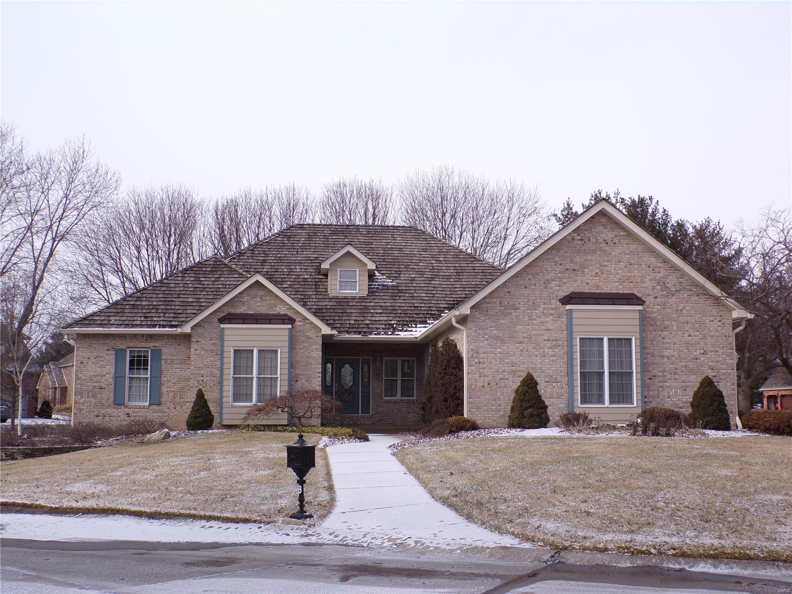 8 Bronte Court Property Photo - Glen Carbon, IL real estate listing