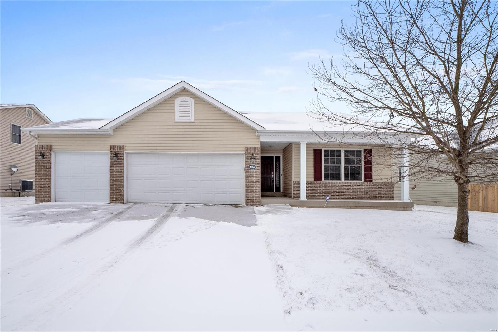 1114 Piper Lane Property Photo - Mascoutah, IL real estate listing