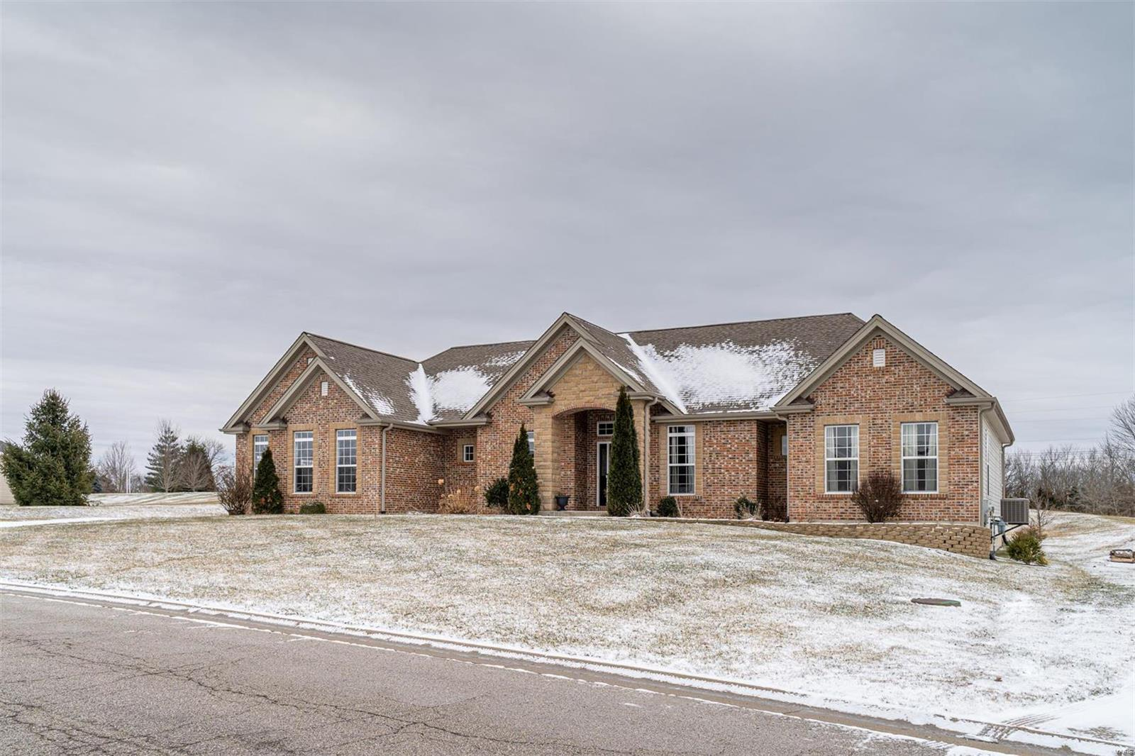 472 Ridge Meadow Lane Property Photo - Washington, MO real estate listing