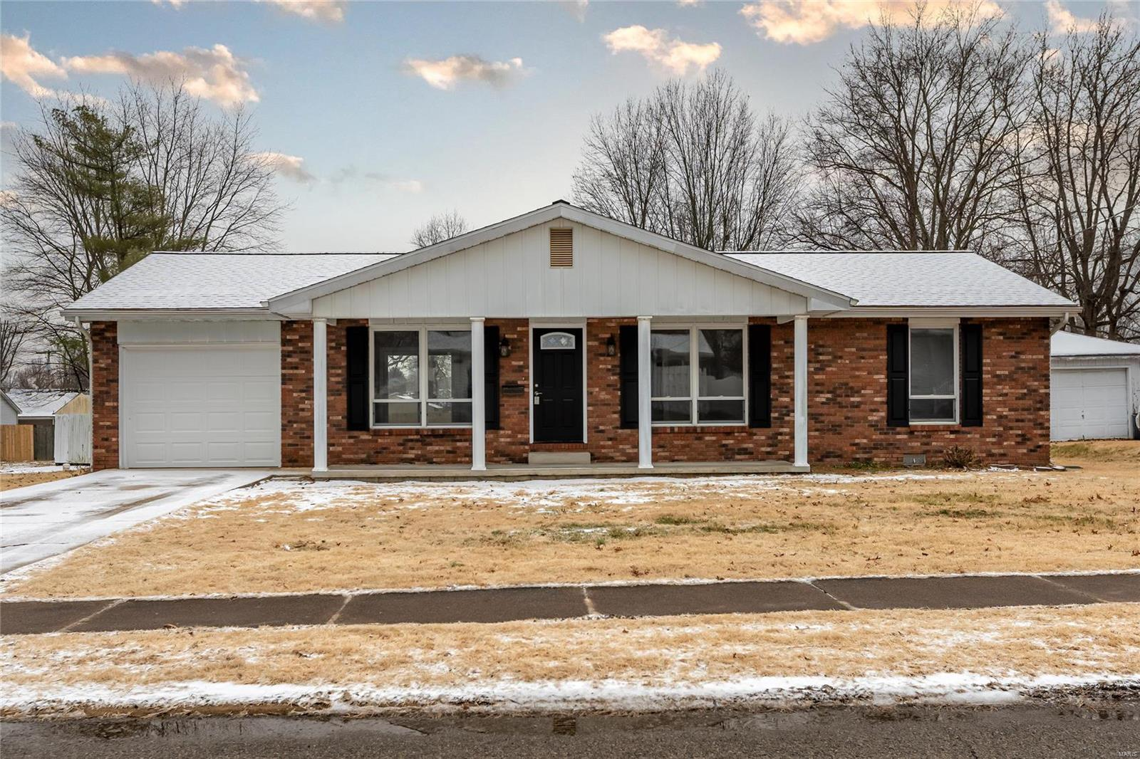 1007 W White Property Photo - Marion, IL real estate listing