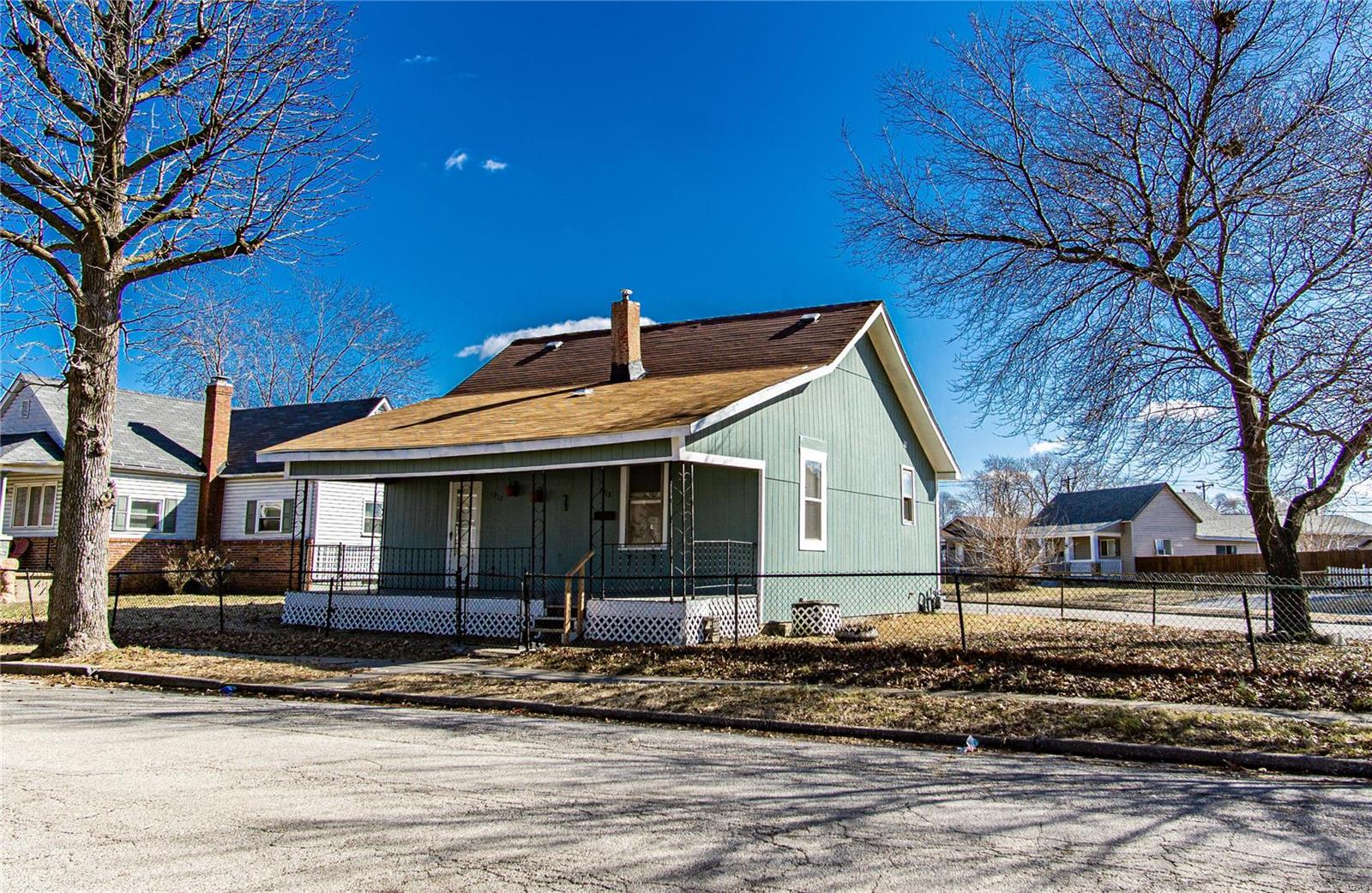 1912 Rhodes Street Property Photo - Madison, IL real estate listing