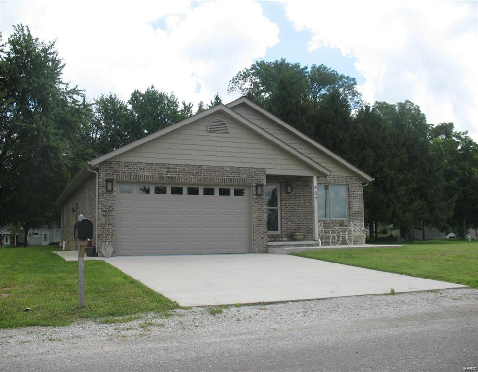 407 Easy Street Property Photo - Marine, IL real estate listing